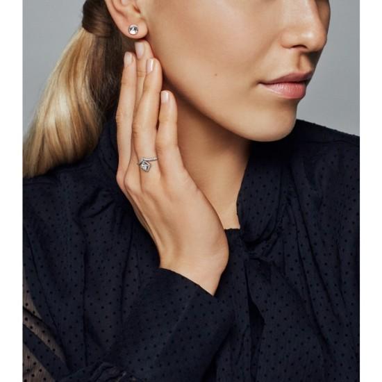 Trblietavý véčkový prsteň so štvorcovými koncovkami