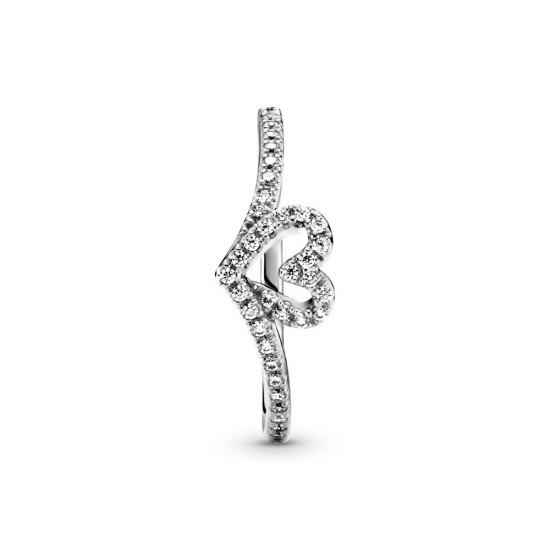Trblietavý prsteň v tvare srdca