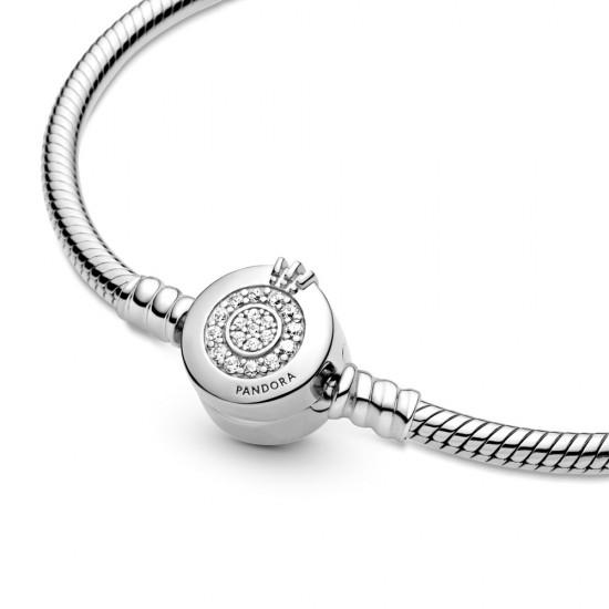Hadíkový náramok Pandora Moments so sponou v tvare trblietavého písmena O s korunkou
